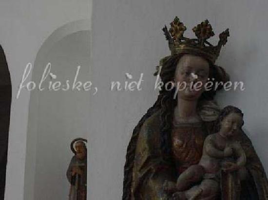 Kloster Niedernburg: detail of statue