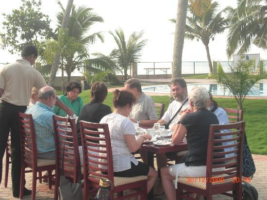 The World Backwaters: breakfast at poolside with good sunlight