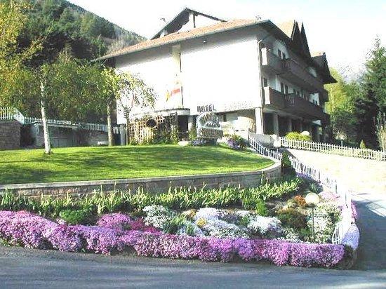 Hotel Sorriso : estate