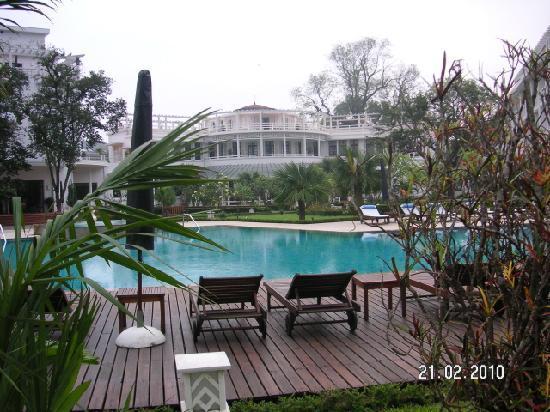 La Residence Hue Hotel & Spa - MGallery by Sofitel: pool
