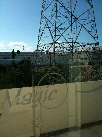 Hotel Magic Express: electrical tower