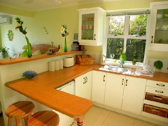 Cape Rose Cottage: Cape Rose Suite Kitchen