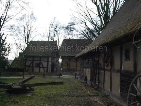 Mühlenhof-Freilichtmuseum: courtyard