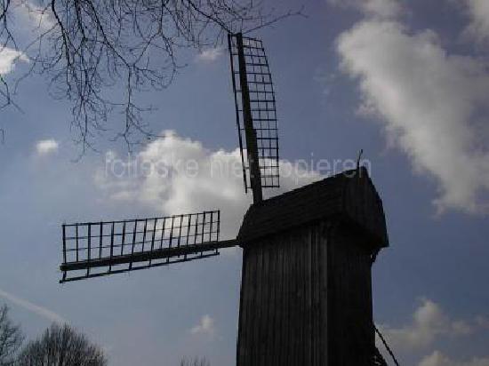 Mühlenhof-Freilichtmuseum: windmill