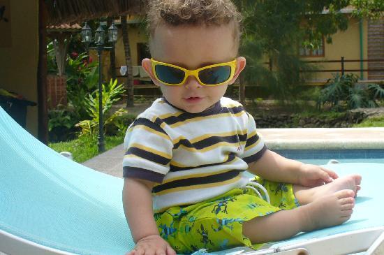 Dos Arboles: my son poolside