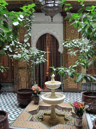 Riad et Dar Maison Do: Courtyard of the Riad
