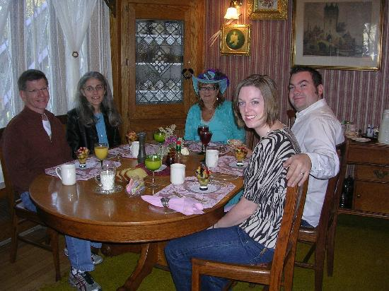 Guests enjoying a sit-down breakfast at Inn at the Park