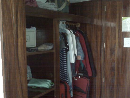Las Palmas by the Sea: closet area - bring extra hangers