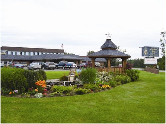 Caribou Inn & Convention Center: Beautiful Landscape