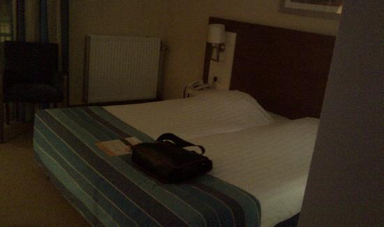 Tulip Inn Oosterhout : Bed