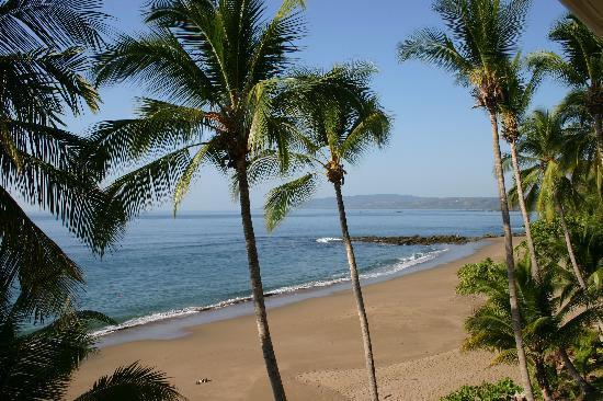 Tango Mar Beachfront Boutique Hotel & Villas: view from the balcony!