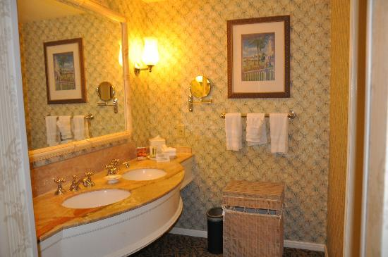 Disney's Grand Floridian Resort & Spa: Bathroom at Grand Floridian