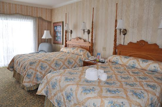 Disney's Grand Floridian Resort & Spa: Bedroom at Grand Floridian