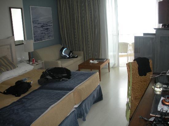 Vincci Tenerife Golf Hotel: room from doorway