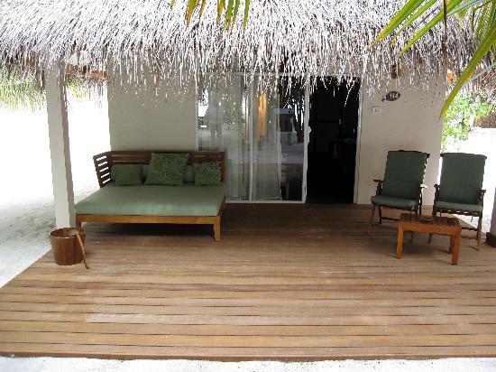 Vakarufalhi Island Resort: Porticato