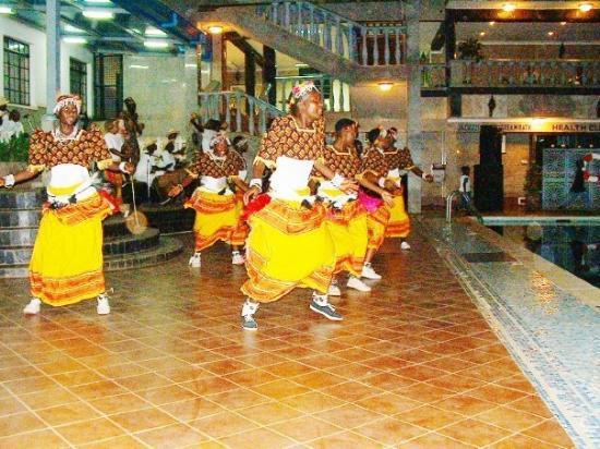 Καμπάλα, Ουγκάντα: Ugandan dancers.