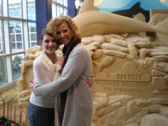 Science Museum of Virginia: Maggie and mama