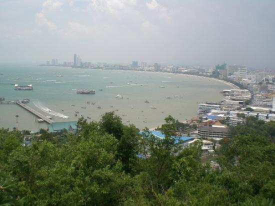 Pattaya Beach: This is the best view of Pattaya as seen from Pratamnak Hill.