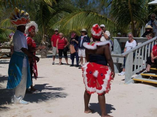 Treasure Cay, Great Abaco Island: Junkanoo, Eleuthra