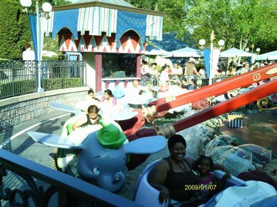 Disneyland Park: Autumn and me on Dumbo ride