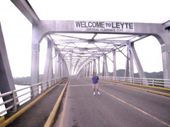 Tacloban, Filipiny: san juanico bridge leyte part