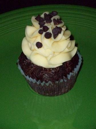 Cupcake DownSouth: Lemon and Chocolate Cupcake from Cupcake in Mount Pleasant SC