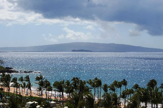 Grand Wailea - A Waldorf Astoria Resort: View from our lanai