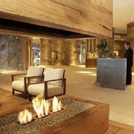 Radisson Hotel Puerto Varas: Front Desk