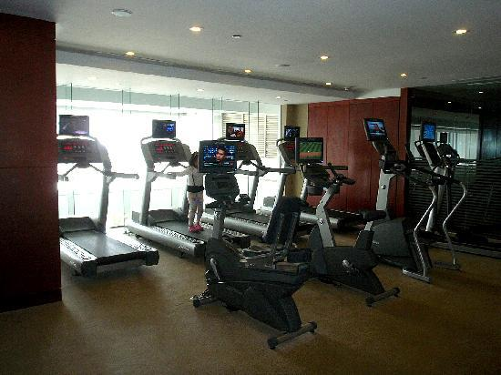 Oakwood Premier Joy - Nostalg Center Manila : gym