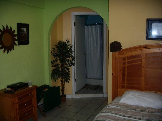 Casa Verde Hotel: Our guest room