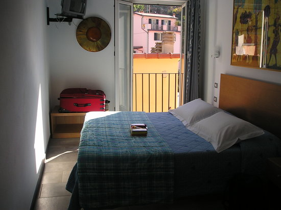 Cademandin Apartments: one of the rooms - apartment 4