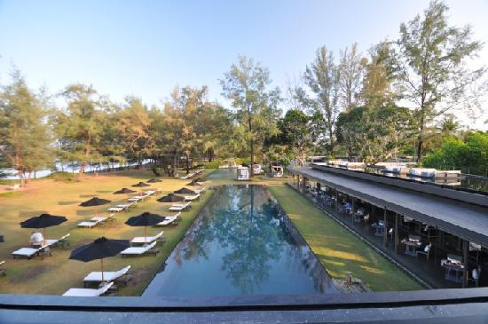 Sala phuket main pool picture of sala phuket resort and for Hotel sala phuket