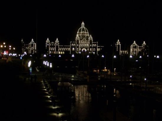 British Columbia Parliament Buildings: Parliament Building (Capital) at night - Downtown Victoria, BC