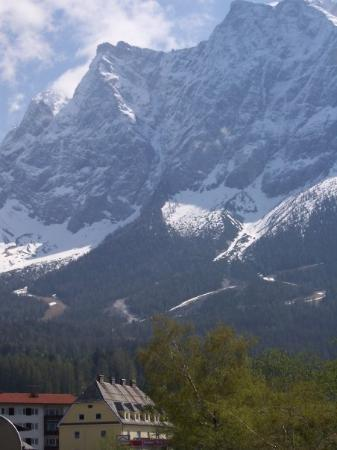 Garmisch-Partenkirchen, Tyskland: View of Alps from our hotel in Garmisch, Germany