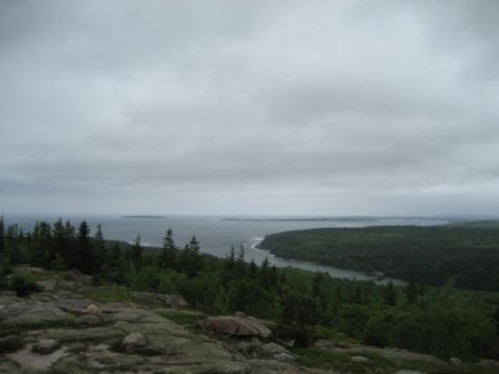 Acadia National Park Tours: Cloudy & windy as we headed up Gorham