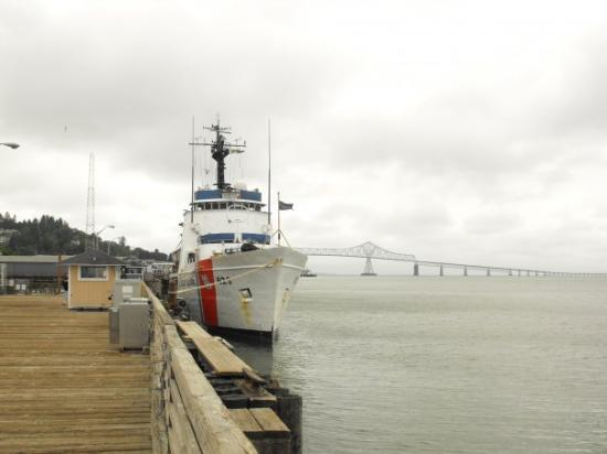 The USCGC Alert at homeport, with the Astoria-Megler Bridge in the background.