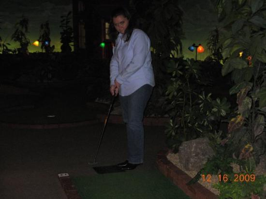 Grand Country Indoor Mini Golf Photo