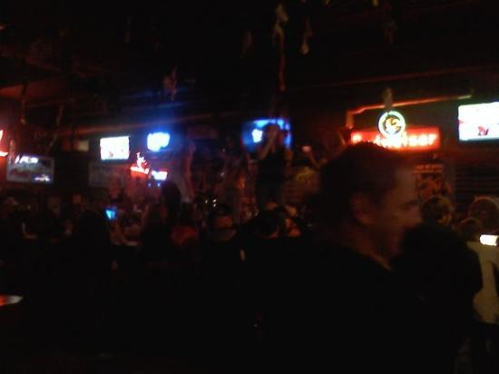 Coyote Ugly Saloon: Coyote bar!