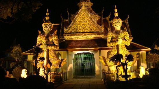 Grasshopper Adventures: Illuminated Temple