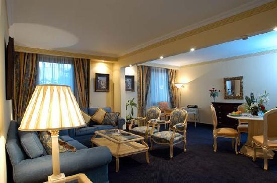 Le Passage Cairo: Rooms