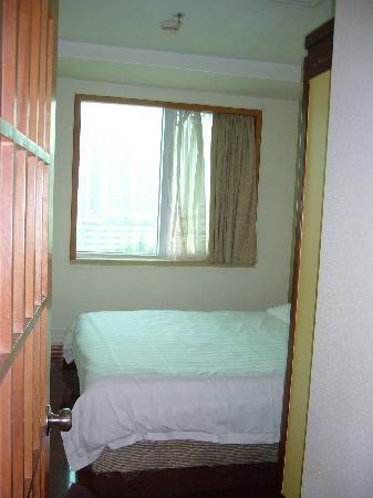 深セン羅湖ビジネスセンターマンションホテル, ベッドルームとの間には扉