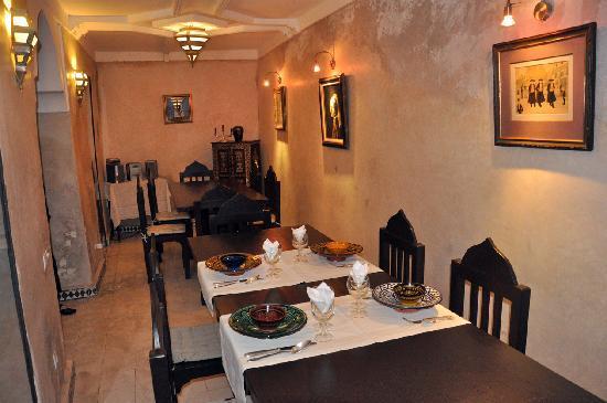 Riad Alamir: Salle à manger