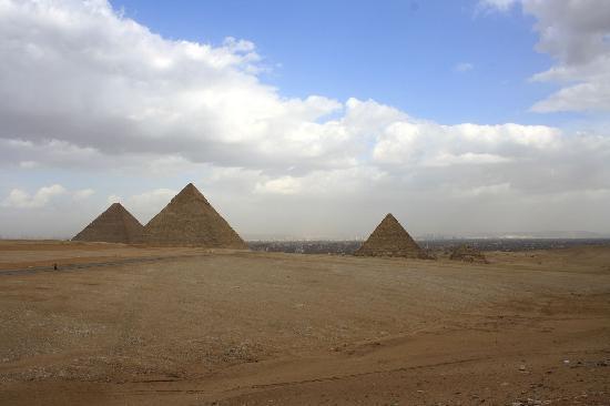 Piramida Giza: Pyramids