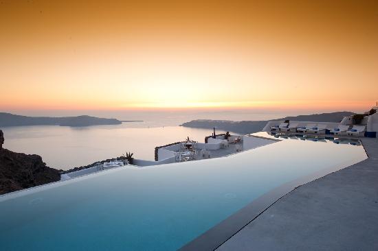 Grace Santorini Hotel: Infinity pool