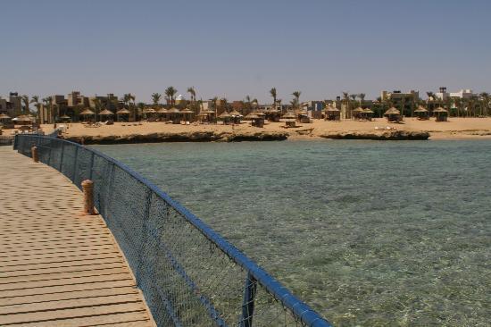 Siva Port Ghalib: Plage vu du bout du ponton