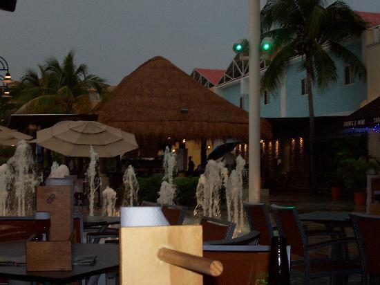La Isla Shopping Village: near the hooters at la isla