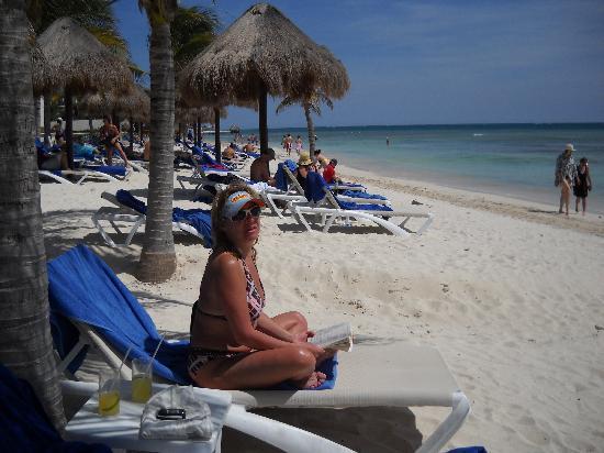 Secrets Silversands Riviera Cancun: Wish I could swim!