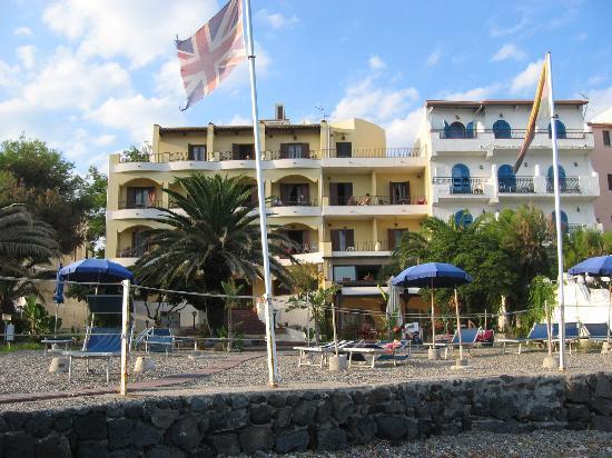 L 39 hotel dalla spiaggia privata picture of hotel kalos giardini naxos tripadvisor - Hotel ai giardini naxos ...