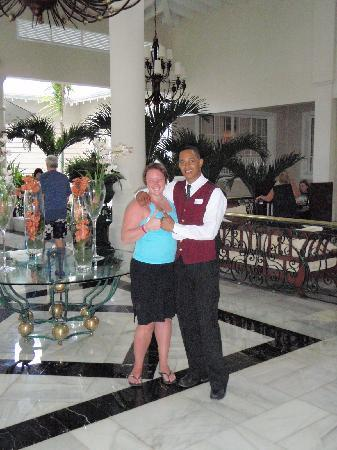 Luxury Bahia Principe Esmeralda: Your can ask Ramon at the reception, pretty much anything
