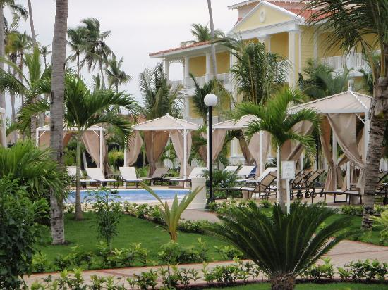 Luxury Bahia Principe Esmeralda: Around the Jacuzzi